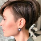 Cute haircuts for round faces 2021