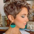 Short naturally curly hairstyles 2021