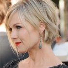Short hairstyles for ladies with round faces