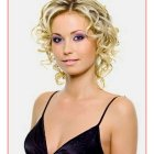 Trendy short curly hairstyles 2019