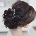 Put up hairstyles for weddings