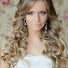 Upstyles for long hair for weddings